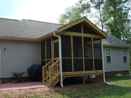 Side view of the screened porch